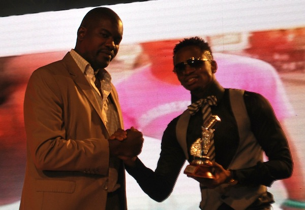 Best Video of the Year - Mawazo by Diamond, award presented by Evans Bukuku