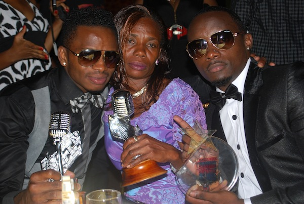 Diamond with his mother and his 3 awards