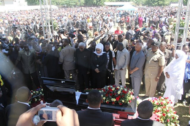 Vice President Bilali paying his last respects