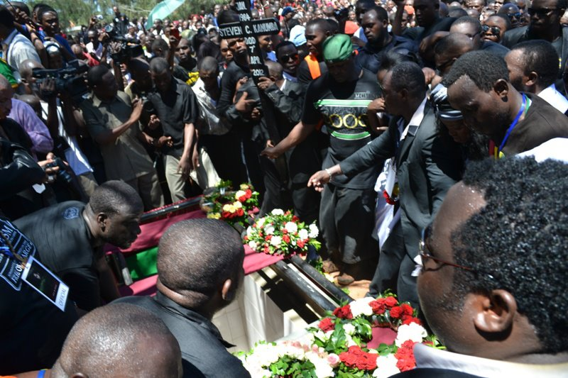 The casket carrying the late Steven Kanumba arrives at his grave