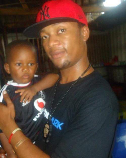 Nikki Mbishi na mwanae Malcom - Bongo5.com