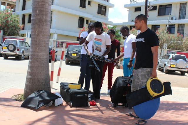 Crew ya I-View Media