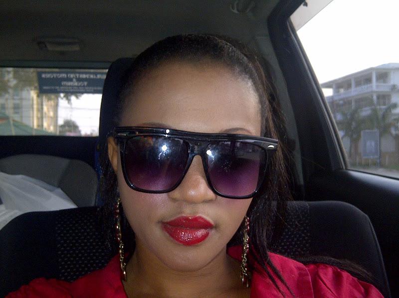Wa filamu na video model maarufu kwa jina la rayuu kusambaza picha