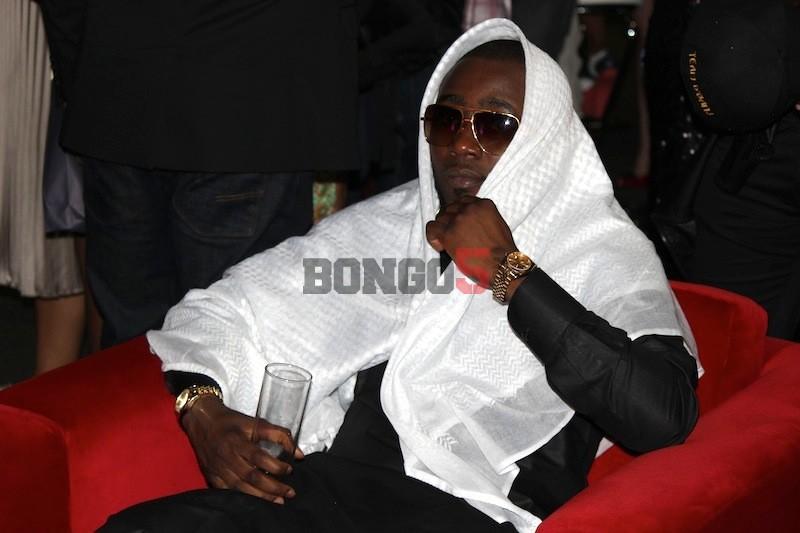 Ice Prince chillin' kabla ya show kuanza