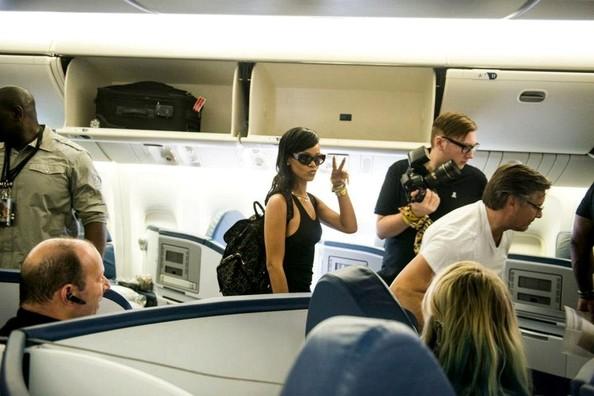 Rihanna+Rihanna+s+777+tour+Uez-wn_pyT6l (594x396)