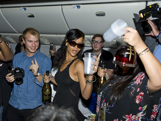 rihanna flight 161112