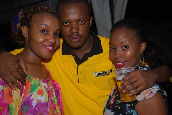 Wafanyakazi wa SBL Maurice Njowoka, Azda na Caroline wakipozi.