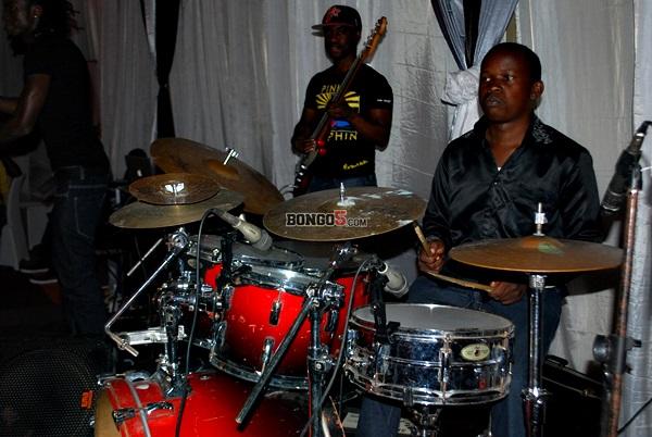 Band ikifanya yake