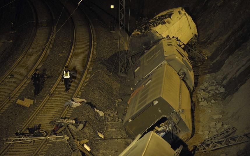 spain-train-night-_2626786k