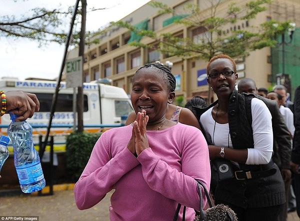 Mwanamke aliyekuwa ameshikiliwa mateka akiwa haamini baada ya kuachiwa