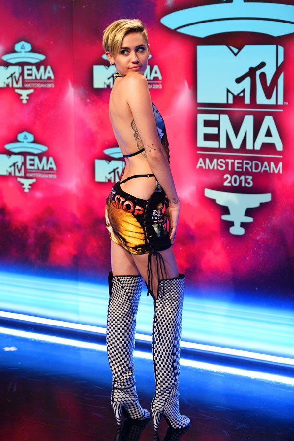 Red Carpet MTV Ema-Miley-cyrus-2