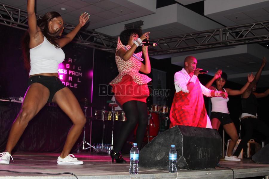 Dance wa Mafikizoro wakionyesha uwezo wao