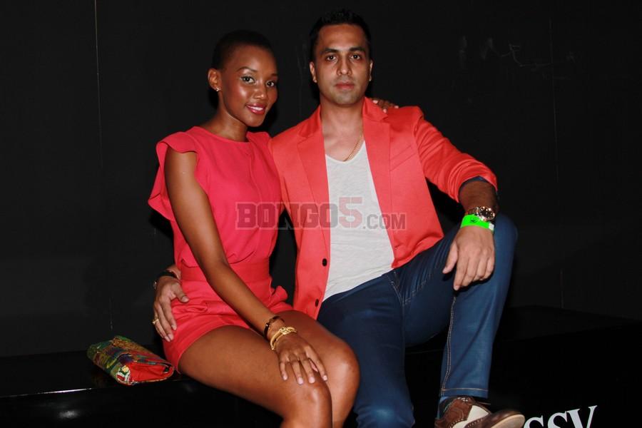 Luca Neghesti na Nancy Sumari wakisubira show ya Mafikizoro