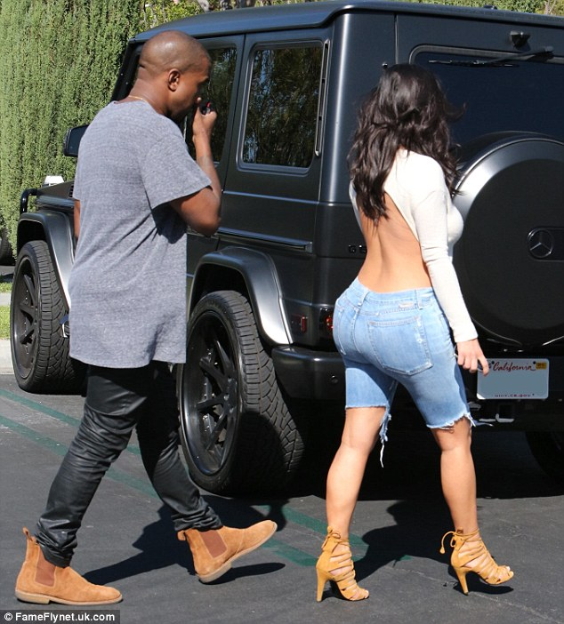 1413748462855_wps_5_Picture_Shows_Kanye_West_