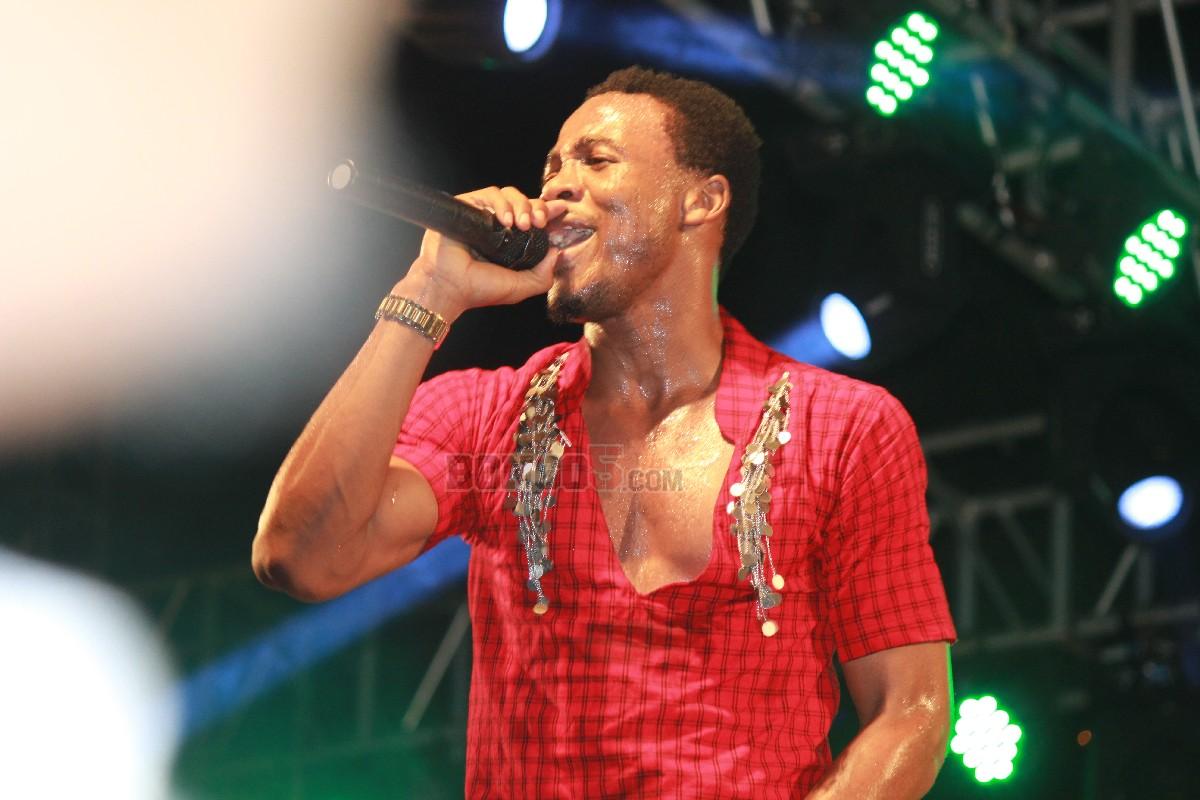 Ali Kiba katika vazi la kitamaduni