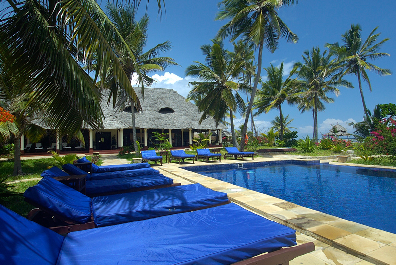 palms-pool3
