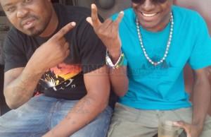 Dudu Baya na Mr Nice akiwa wamepozi