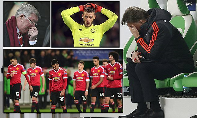 Football Soccer - VfL Wolfsburg v Manchester United - UEFA Champions League Group Stage - Group B - Volkswagen-Arena, Wolfsburg, Germany - 8/12/15 Manchester United manager Louis van Gaal looks dejected Action Images via Reuters / Carl Recine Livepic EDITORIAL USE ONLY.