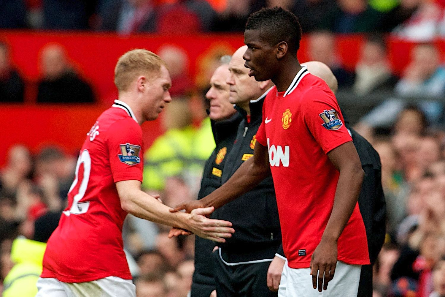pogba-and-scholes-at-united-2013